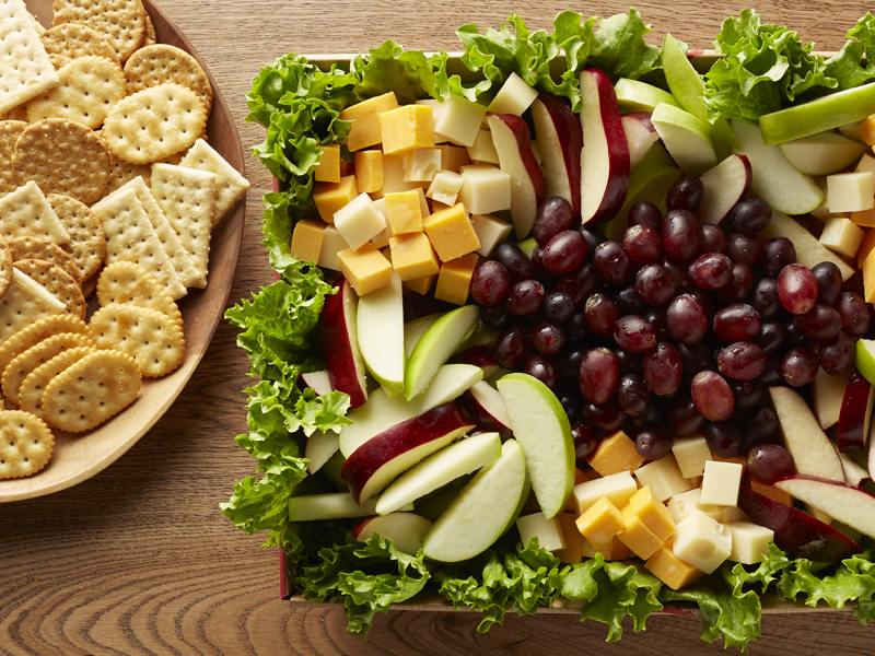 Cheese, Grapes, Apples & Crackers (Min 15)